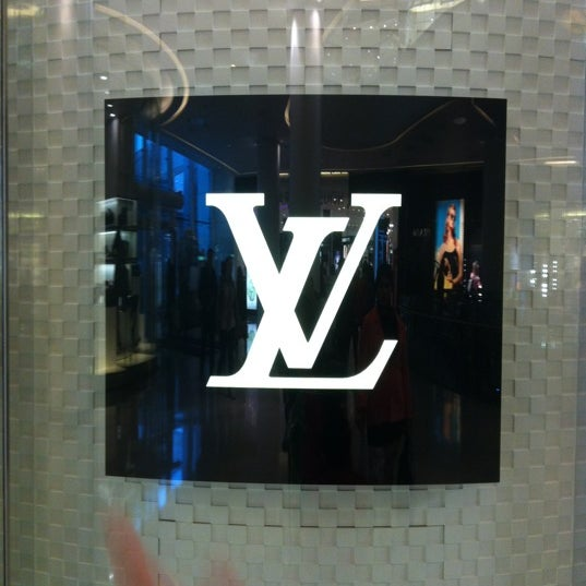 Photo taken at Louis Vuitton by JAshaiji on 6/11/2012