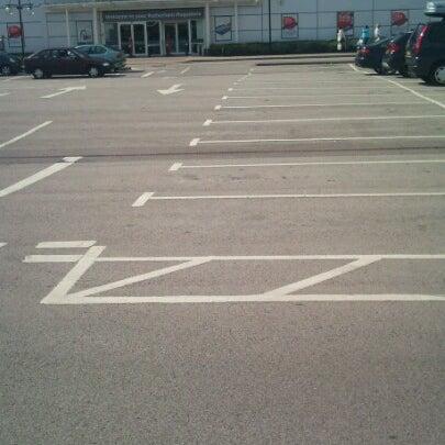 รูปภาพถ่ายที่ Parkgate Shopping Centre โดย Kev T. เมื่อ 6/25/2012
