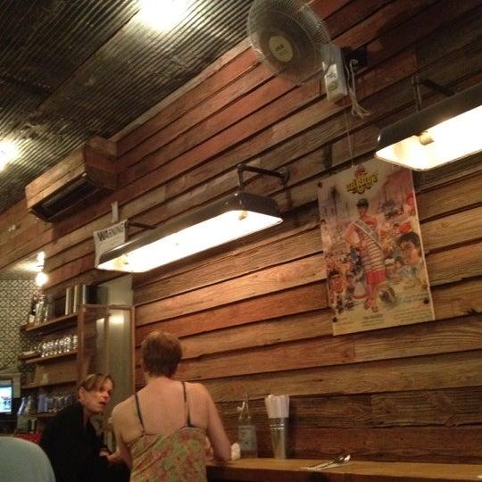 Foto tomada en Pure Thai Cookhouse por Qimei L. el 5/26/2012