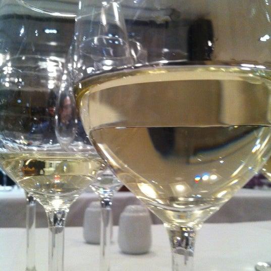 3/14/2012 tarihinde Alper T.ziyaretçi tarafından Şans Restaurant'de çekilen fotoğraf