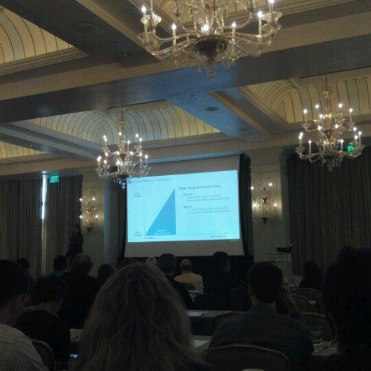 รูปภาพถ่ายที่ Casa Del Mar Hotel โดย Jeff M. เมื่อ 7/18/2012