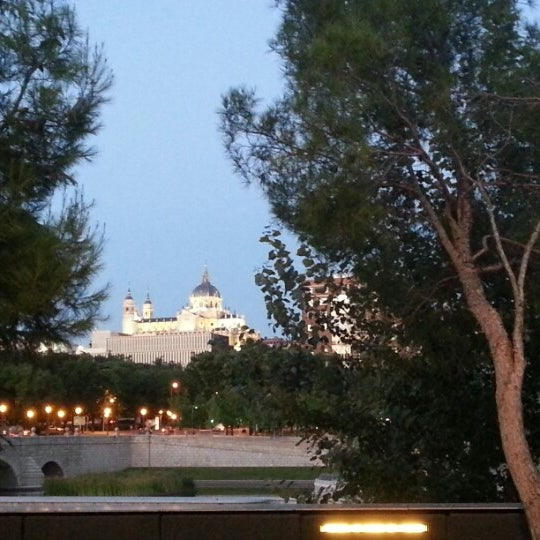 Madrid r o caf segovia bar al aire libre en madrid for Terrazas nocturnas madrid
