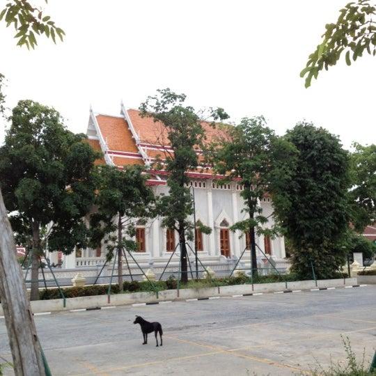 Photo taken at ลานใส่บาตร by Som O D. on 6/27/2012