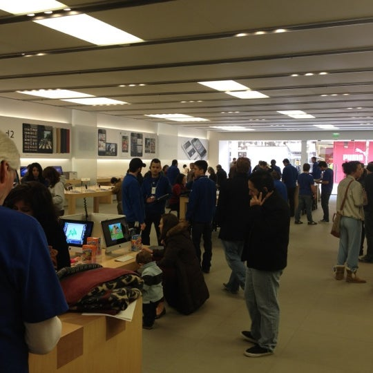 Photo taken at Apple La Cantera by Conner D. on 2/12/2012