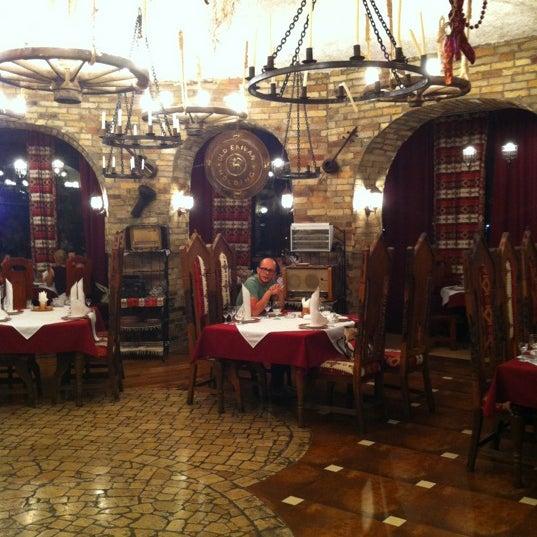 Снимок сделан в Old Erivan Restaurant Complex пользователем Francesca S. 8/13/2012