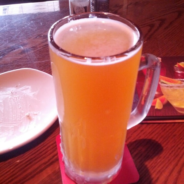 Photo taken at Outback Steakhouse by Emil F. on 3/14/2014