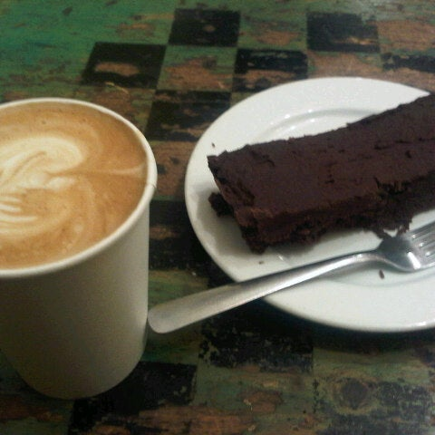 Photo taken at The Remarkable Bean by Rohbear B. on 9/20/2012