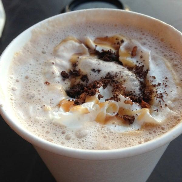 Photo taken at Starbucks Coffee ひたち野うしく店 by Kaziyuki O. on 1/2/2013