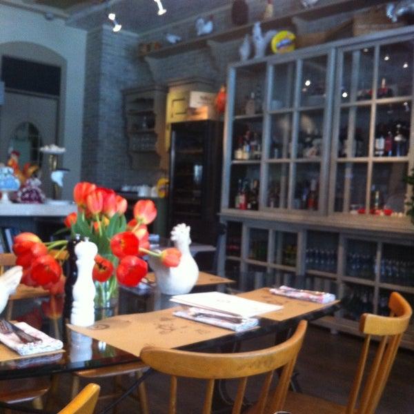 Снимок сделан в Юлина кухня пользователем MissVictorinka 5/9/2015