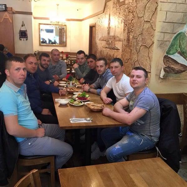 4/29/2015 tarihinde Adem V.ziyaretçi tarafından Hala Restaurant'de çekilen fotoğraf