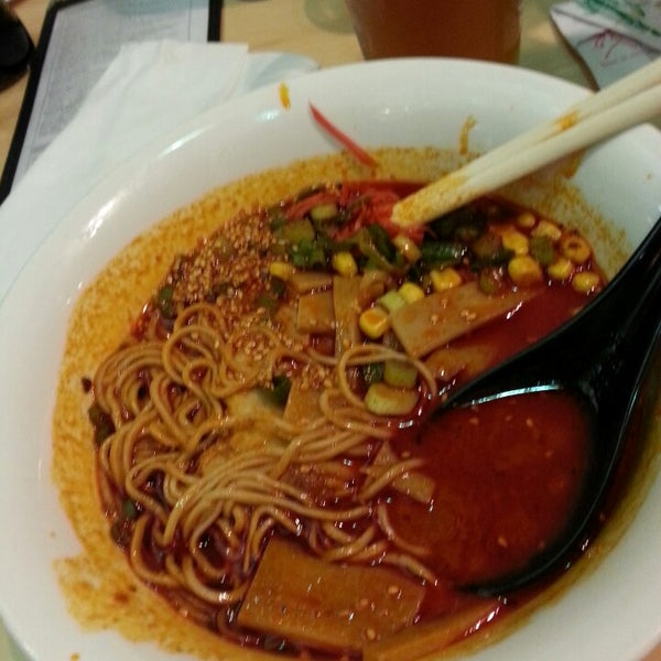Photo taken at Samurai Noodle by Dustin S. on 7/20/2014