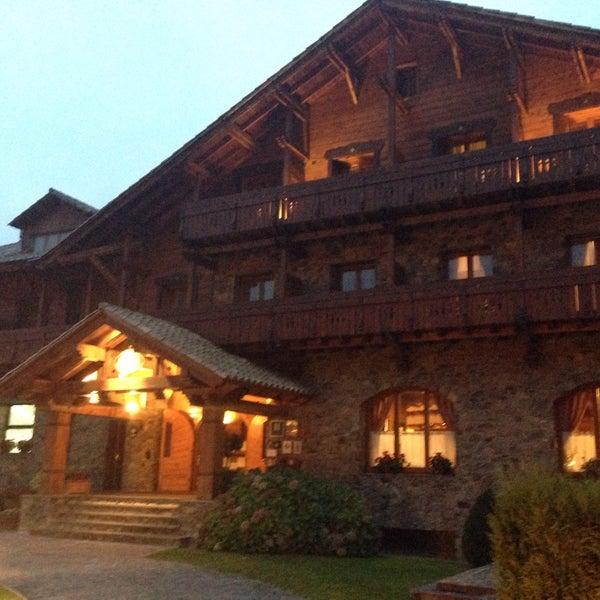 Photo taken at Hotel Grevol Spa & Wellness Llanars by Jordi P. on 10/18/2015