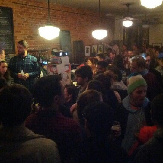 Foto tirada no(a) Big Bear Cafe por Faith O. em 12/14/2012