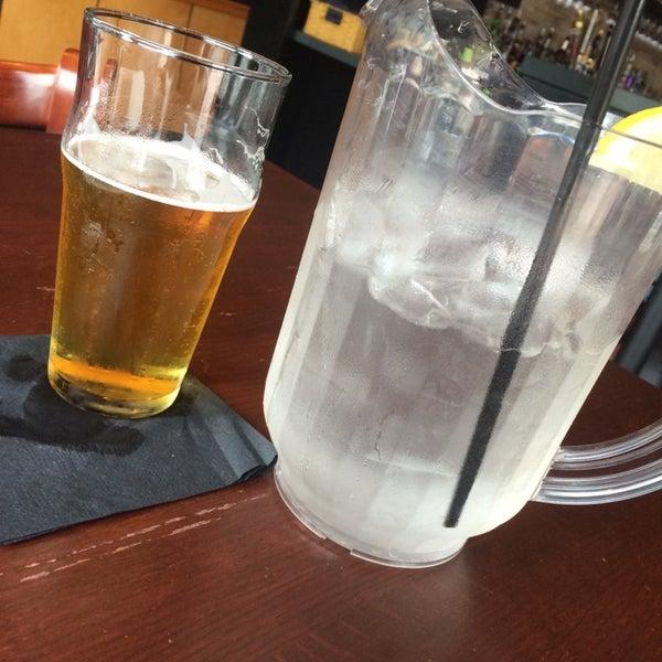 Снимок сделан в The V - Virginia's Eatery and Brew House пользователем ryan 8/31/2014