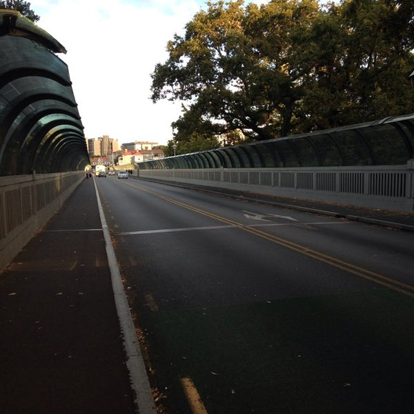 Photo taken at Grafton Bridge by Elijah Alexander C. on 3/9/2014