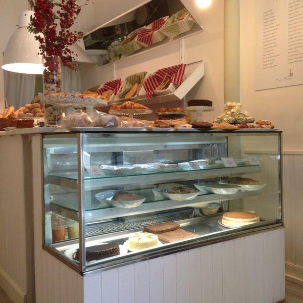 Foto tomada en Maria's Bakery por Pierre-Alban W. el 7/12/2013