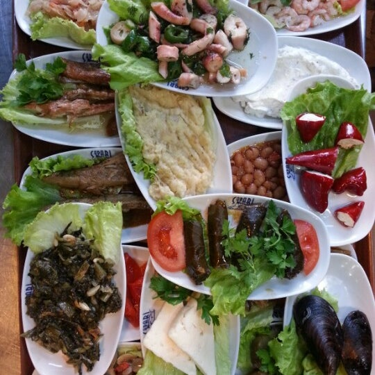 2/10/2013 tarihinde Naci S.ziyaretçi tarafından Çapari Restaurant'de çekilen fotoğraf