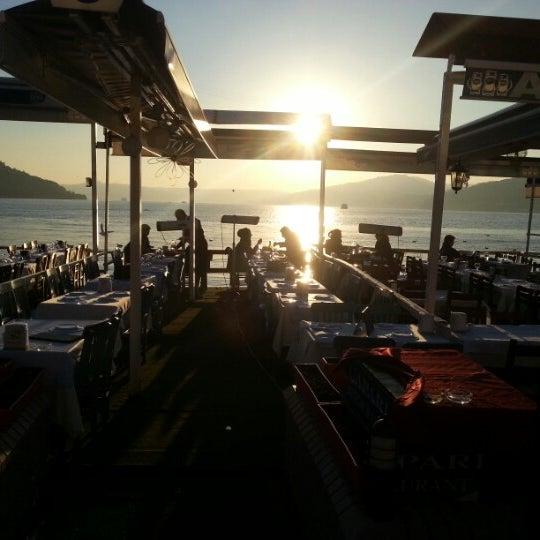 3/1/2013 tarihinde Naci S.ziyaretçi tarafından Çapari Restaurant'de çekilen fotoğraf