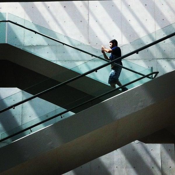 Foto tomada en MUAC (Museo Universitario de Arte Contemporáneo). por Dani J. el 2/10/2013