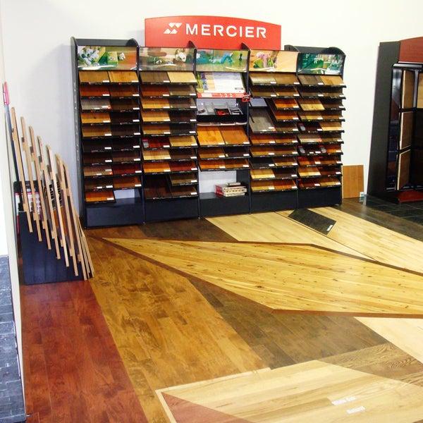 Foto tirada no(a) Prestige Flooring & Hardwood Ltd por Prestige Flooring & Hardwood Ltd em 3/6/2014