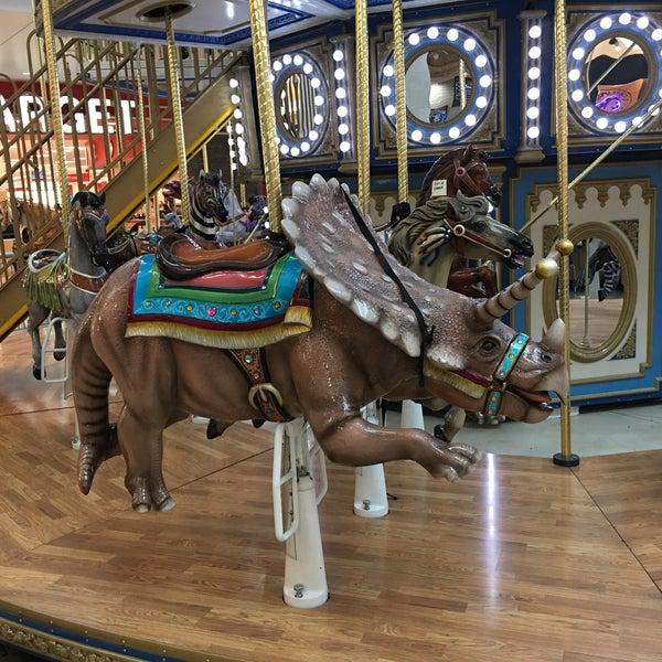 Victorian Carousel At Westfield Topanga Mall In Canoga