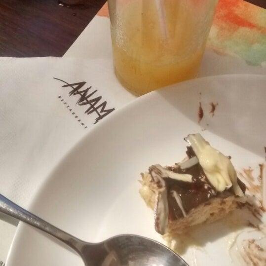 Foto tirada no(a) Anamá Restaurante por Marcella S. em 3/21/2015