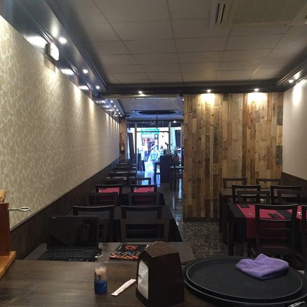Foto tirada no(a) Oporto restaurante por Anthony J. em 6/6/2015