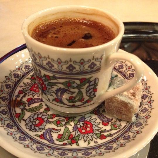 12/3/2012 tarihinde AySima U.ziyaretçi tarafından Faros Restaurant'de çekilen fotoğraf