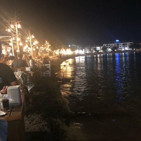Снимок сделан в Kekik Restaurant пользователем OğuZ Y. 9/22/2018