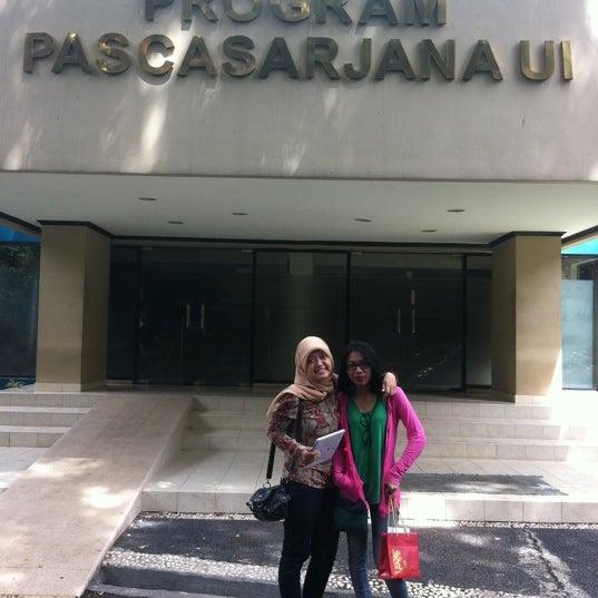 Photo taken at Fakultas Kedokteran Universitas Indonesia by Yuni . on 11/17/2013