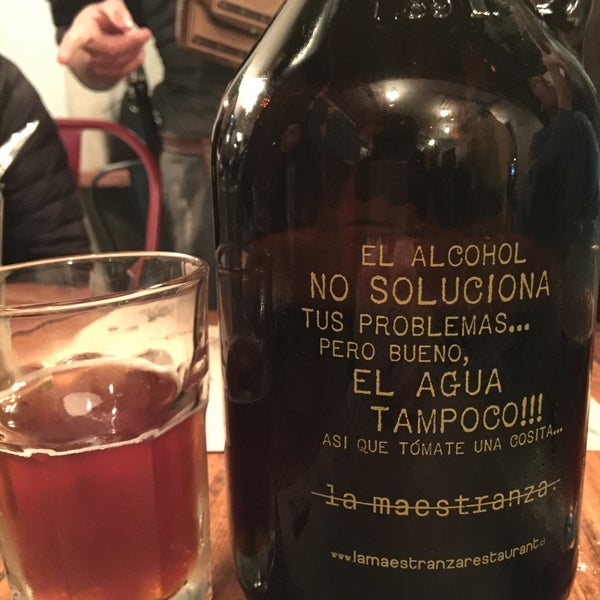 Buenísima la cerveza Ámbar de La Maestranza 🍻