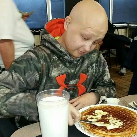 Photo taken at Waffle House by Christie S. on 3/3/2015