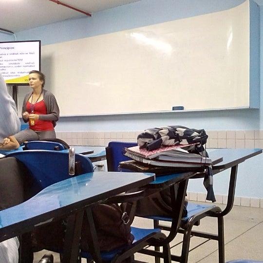 Foto diambil di UNINASSAU - Centro Universitário Maurício de Nassau oleh Lyon C. pada 4/30/2014