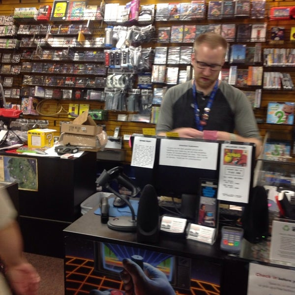 Photo taken at Game Over Videogames by Harmon &. on 5/17/2014