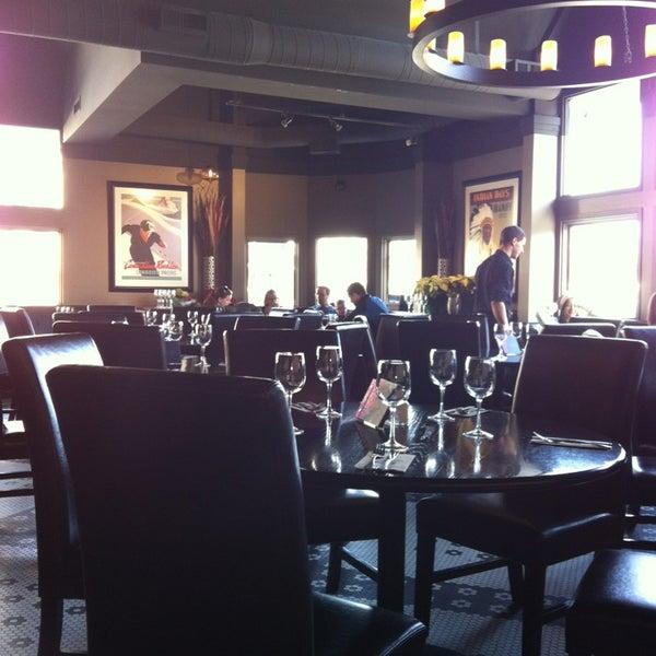 Photo taken at Earls Restaurant by Rafa J. on 1/2/2013