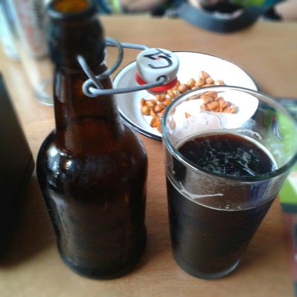 Foto tomada en Cervecería 7B por Oskar R. el 5/8/2014