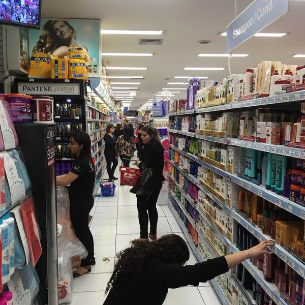 Foto tirada no(a) Princesa Supermercado de Cosméticos por Jorge A. em 11/3/2016