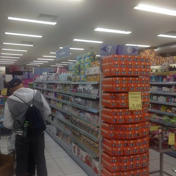 Foto tirada no(a) Princesa Supermercado de Cosméticos por Jorge A. em 6/7/2016