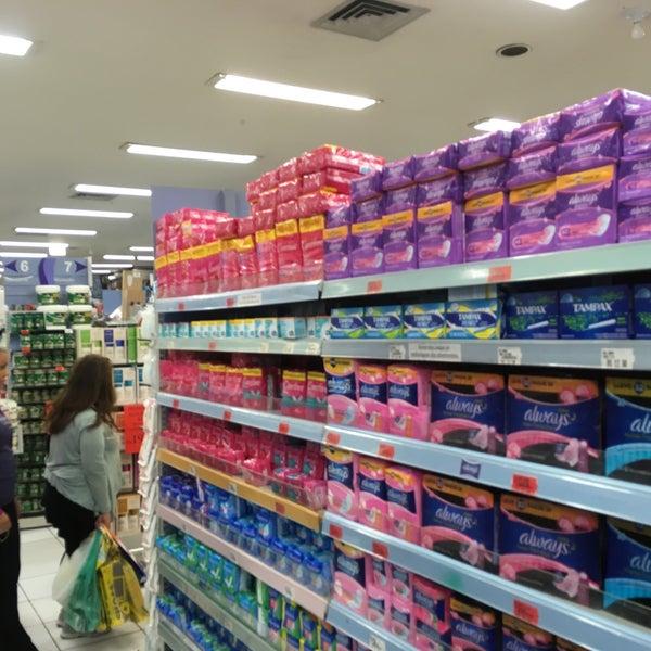 Foto tirada no(a) Princesa Supermercado de Cosméticos por Jorge A. em 12/16/2016