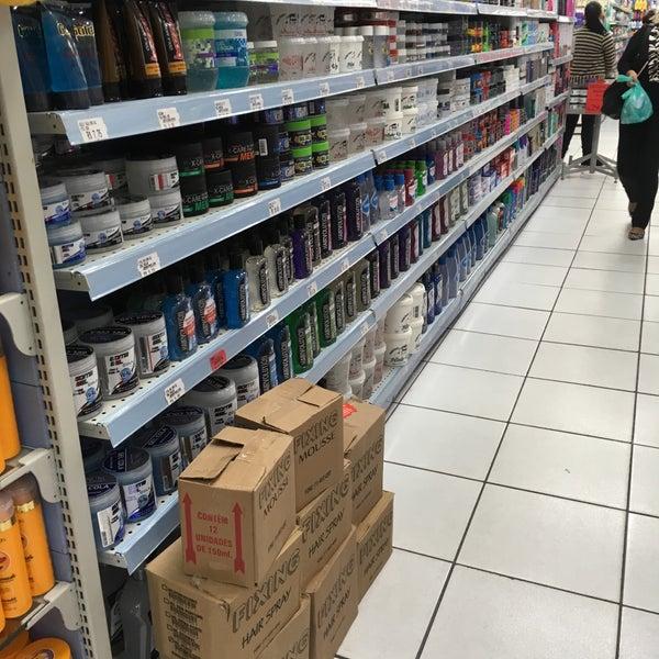 Foto tirada no(a) Princesa Supermercado de Cosméticos por Jorge A. em 9/1/2016
