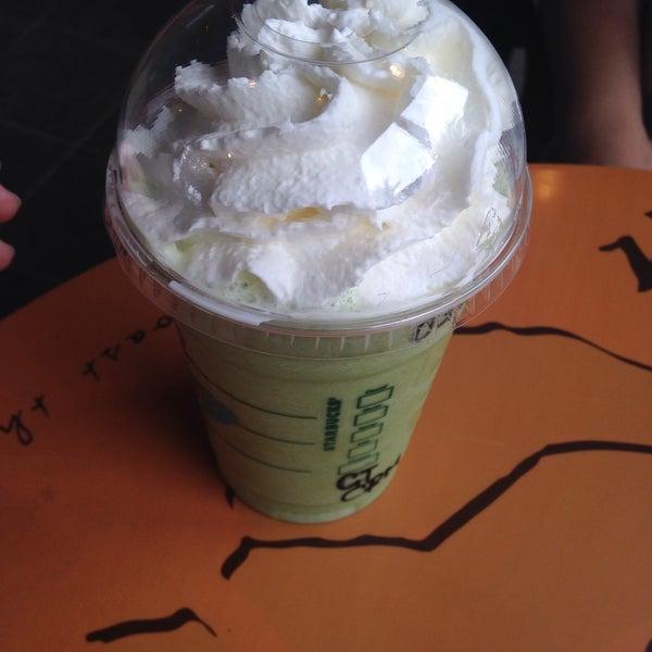 Photo taken at Starbucks by Namhom N. on 8/12/2016
