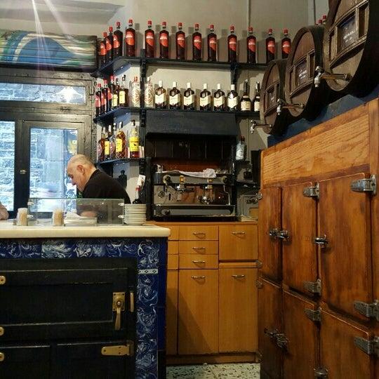 Foto tomada en Bar La Plata por 영준 유. el 2/16/2016