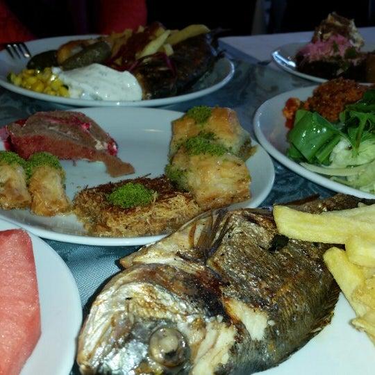 6/1/2014 tarihinde Mehmet N.ziyaretçi tarafından Sah İnn Restaurant'de çekilen fotoğraf