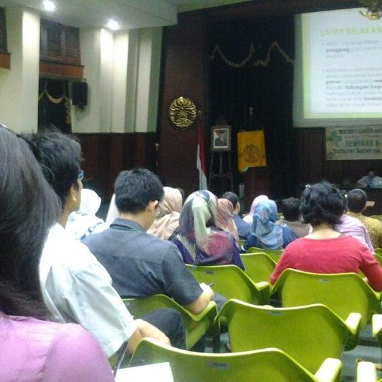 Photo taken at Fakultas Kedokteran Universitas Indonesia by Alex S. on 11/4/2012