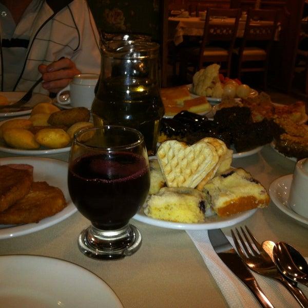 Foto tirada no(a) Bela Vista Café Colonial por Leonardo S. em 3/2/2013