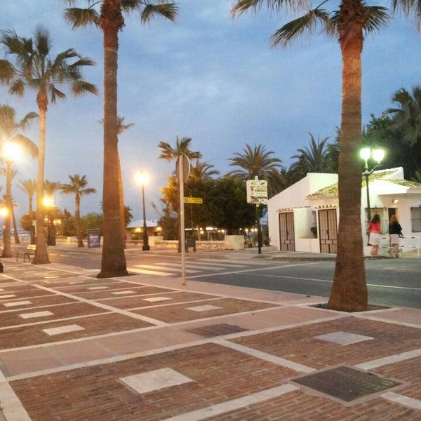 Paseo mar timo puerto ban s marbella andaluc a - Boardwalk marbella ...