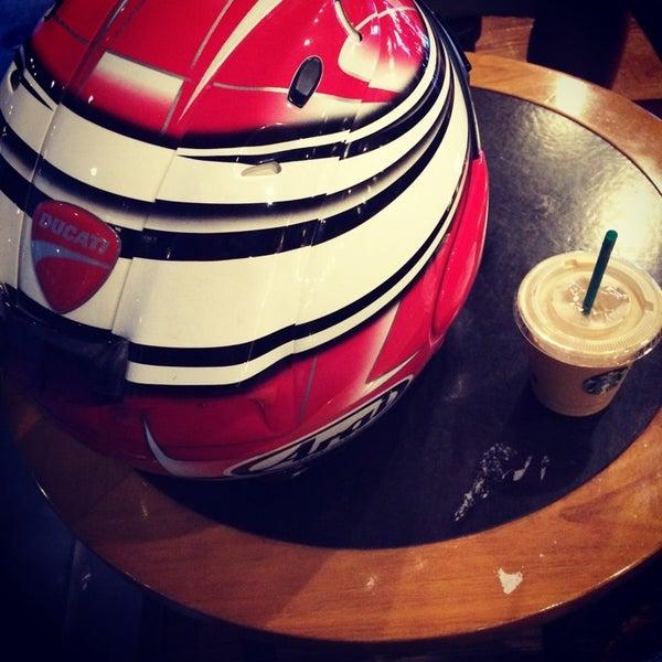 Photo taken at Starbucks by tomy H. on 7/21/2014