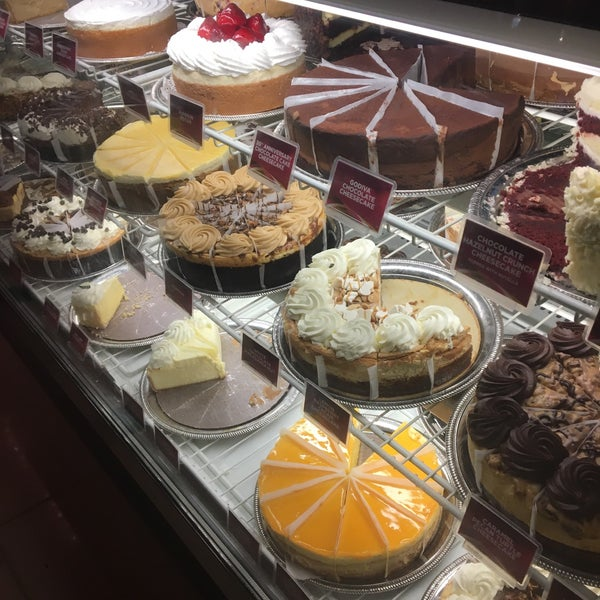 The cheesecake factory american restaurant in austin for American cuisine austin