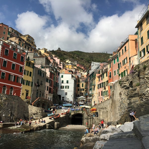 Where's Good? Holiday and vacation recommendations for Cinque Terre, Italy. What's good to see, when's good to go and how's best to get there.