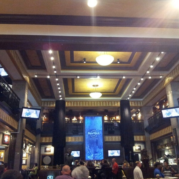 Photo taken at Hard Rock Cafe Washington DC by Juliana S. on 5/21/2014